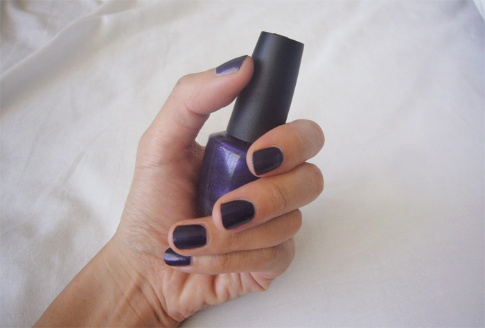 blue_nails